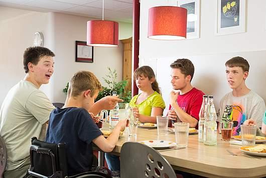 Leben im Internat: Kochen - SRH Stephen-Hawking-Schule