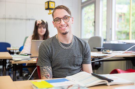 Schüler Sozialwissenschaftliches Gymnasium - SRH Stephen-Hawking-Schule