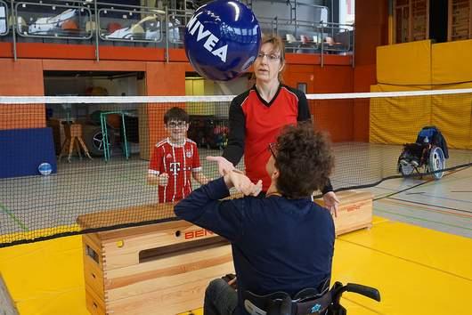 Sitzvolleyballspiel SRH Stephen-Hawking-Schule